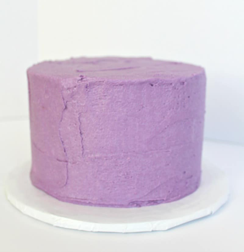 iced cake for ruffle cake