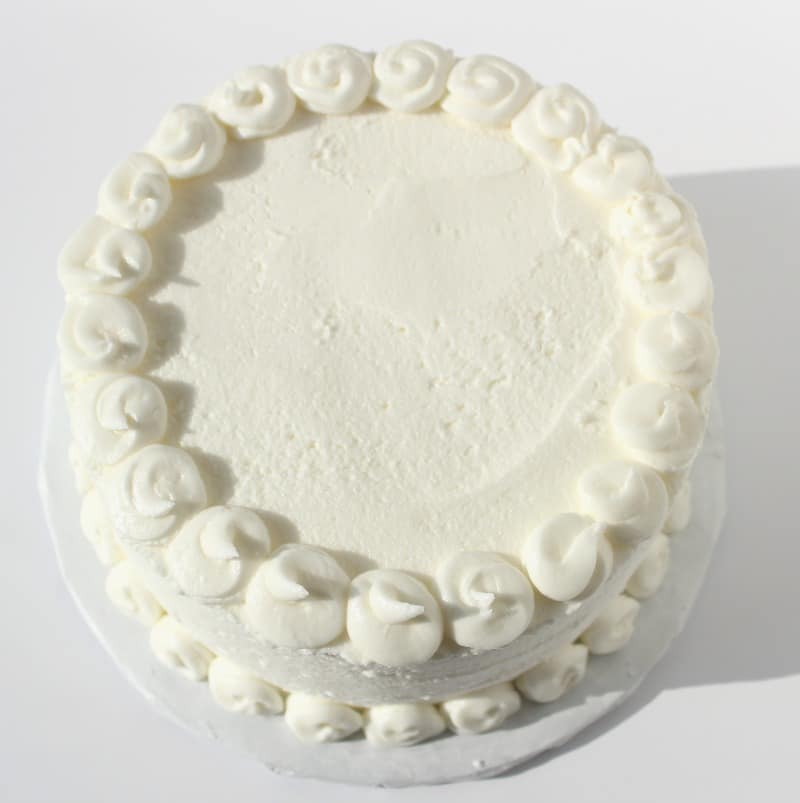 top border of easy cake