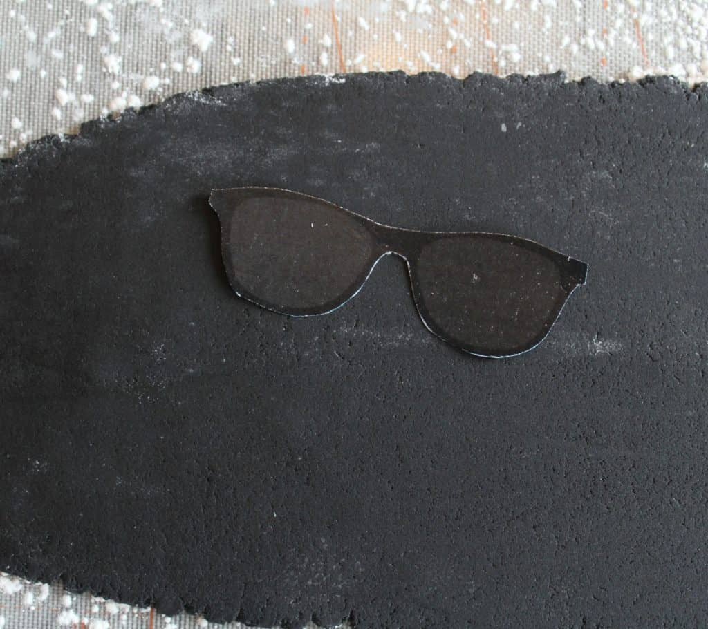 Cutting out the sunglasses toppers