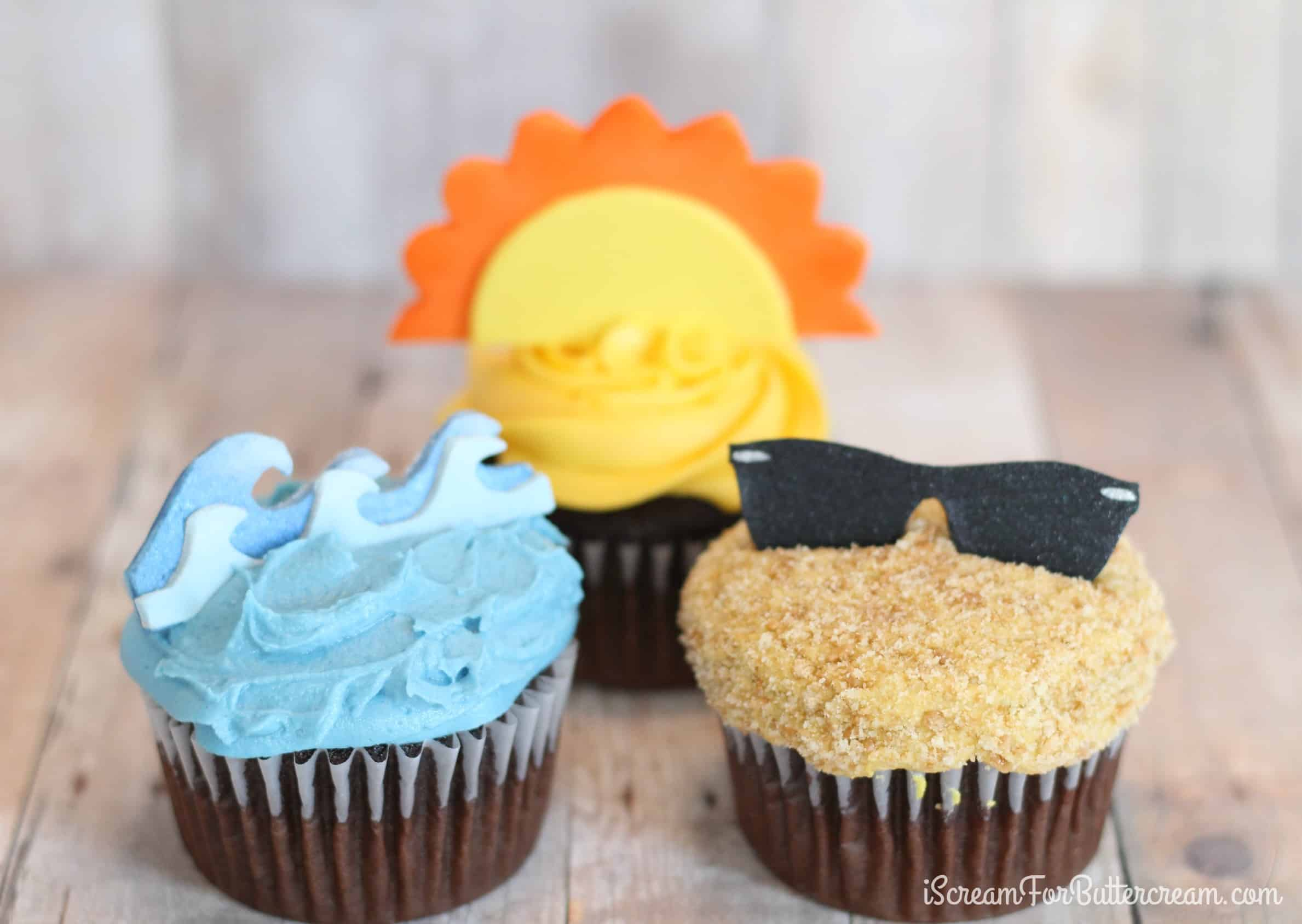 DIY Summer Cupcake Toppers