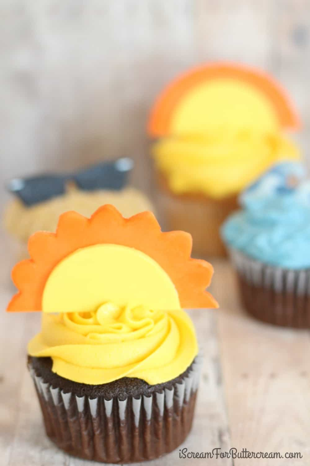 DIY Summer Sun Cupcake Topper