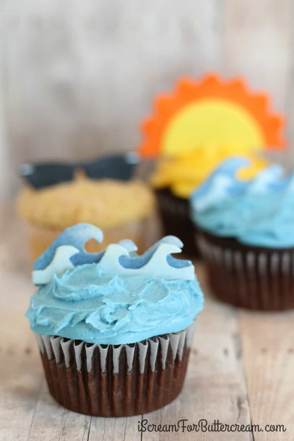 DIY Ocean Wave Cupcake Toppers
