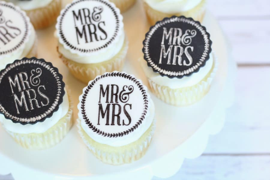 Easy edible wedding cupcake toppers i scream for buttercream easy edible wedding cupcake toppers junglespirit Image collections