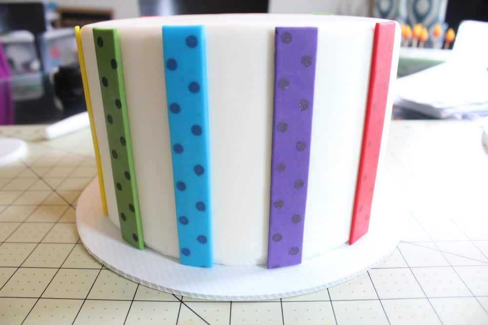 adding fondant strips step 4